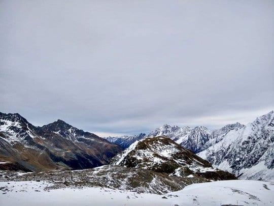 Berge mit Schnee - Pamoramablick