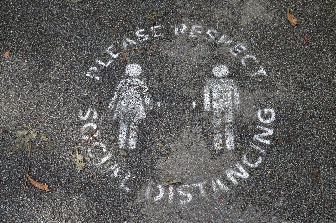 Graffiti Please keep social distancing